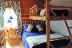 Chalet à louer Orignal Chambre avec lit Queen et lit simple supperposé- Chalet Orignal