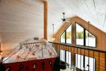 Chalet à louer Panache Table de dôme hockey à la mezzanine - Chalet Panache